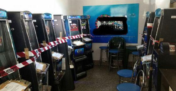 Sequestrate 8 slot machine in un bar di via Sacchi (© Polizia Municipale di Torino)