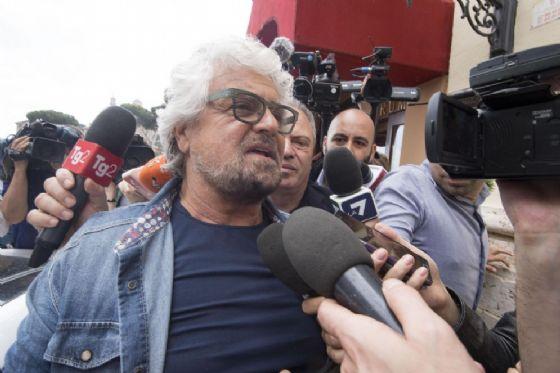 Beppe Grillo all'uscita dall'hotel Forum. Roma, 12 Maggio 2018