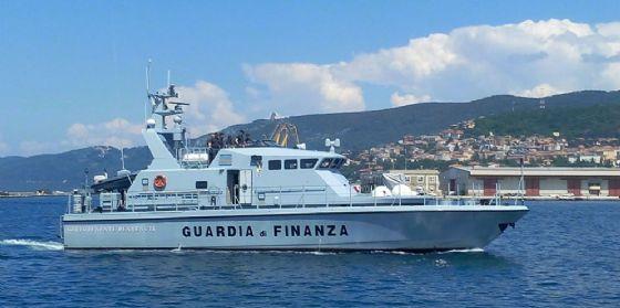 Soccorsa imbarcazione da diporto in difficoltà al largo di Grado (© Guardia di Finanza di Trieste)
