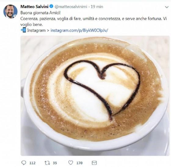 Il segretario della Lega Matteo Salvini posta questa foto sul suo profilo Twitter in segno di speranza prima dell'incontro con Luigi Di Maio