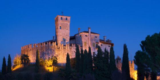Premio di Poesia Castello di Villalta 2018: annunciati i finalisti (© AdobeStock | saccobent)