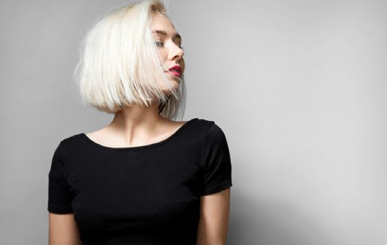 Rimedi naturali per i capelli bianchi