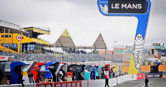 Il rettilineo del circuito di Le Mans