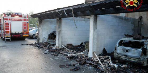 Incendio nella notte a Pratulone: evacuate le famiglie residenti (© Vigili del fuoco Pordenone)
