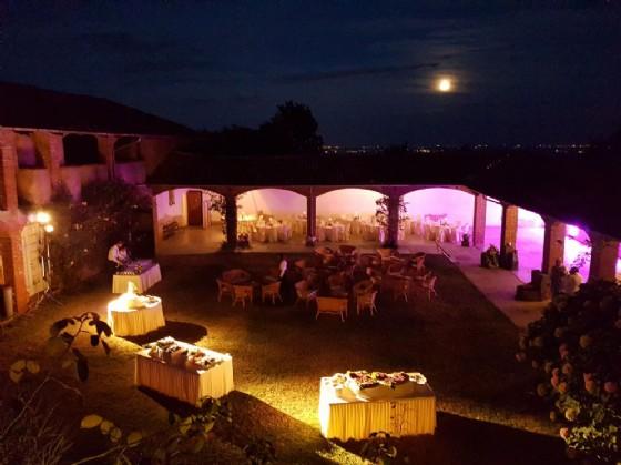 Matrimonio a Biella, Cascina Laiasso in notturna