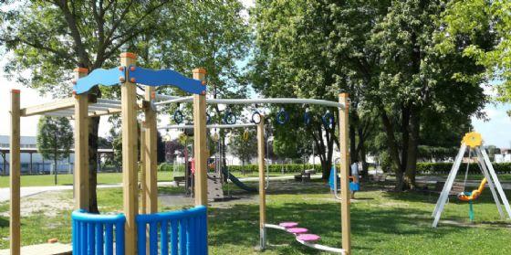 Pordenone, nei parchi nuovi giochi e aree cani
