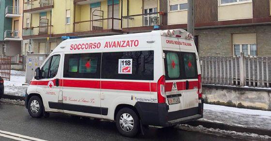 Tenta il suicidio in via Sansovino (© ANSA)