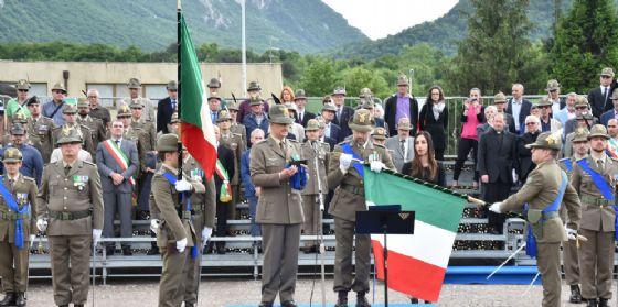 Rinnovato il drappo della Bandiera di Guerra dll'8° Reggimento Alpini