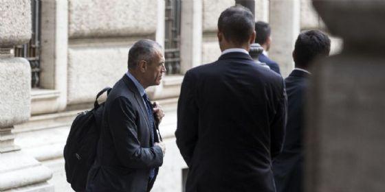 Il premier designato Carlo Cottarelli lascia Montecitorio