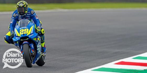 Andrea Iannone in sella alla sua Suzuki nelle prove libere del GP del Mugello di MotoGP