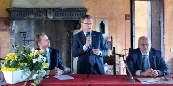 L' assessore regionale alle Risorse agroalimentari, Stefano Zannier, il sindaco di Gorizia, Rodolfo Ziberna, e il presidente del Consorzio Collio Robert Princic
