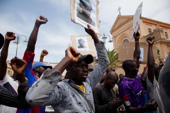 Migranti protestano per condizioni migliori