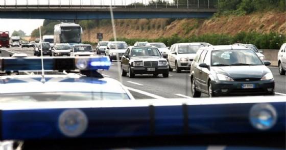 Tenta di gettarsi dal ponte della tangenziale: dramma sfiorato sulla Biella-Chiavazza