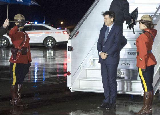 Giuseppe Conte arriva in Canada per il G7