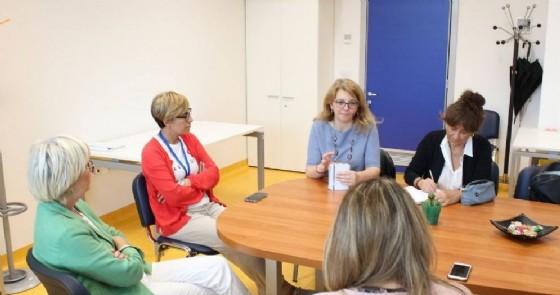 Gli studenti dell'IIS Q. Sella di Biella in ospedale e al dipartimento di prevenzione (© Asl Biella)