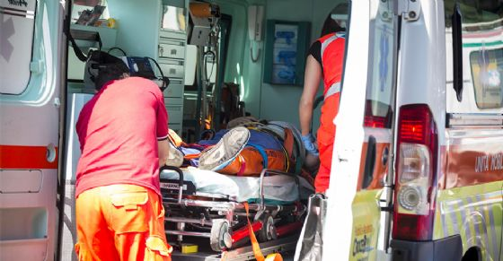 Scontro tra auto sulla Superstrada Biella-Cossato: un ferito