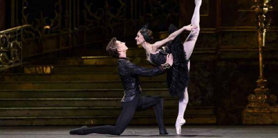 Il lago dei cigni: nuova produzione del Royal Ballet, 'in scena' a Udine