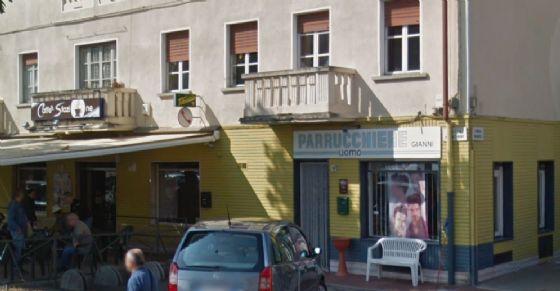 Il negozio preso di mira dai vandali (© Google)