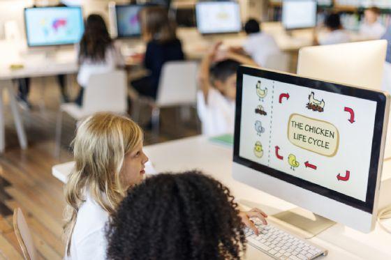 Vigliano: alla scuola un nuovissimo «Atelier digitale» (© Rawpixel.com - shutterstock..com)
