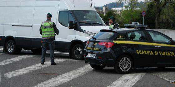 Gorizia: la Guardia di Finanza sequestra 39 mila articoli di biancheria intima contraffatti
