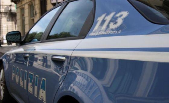 Ladro d'auto messo in fuga in Lungo Dora Firenze (© Polizia di Stato)