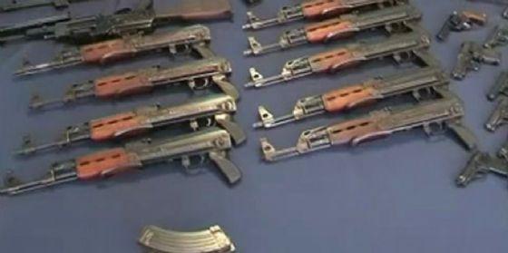 Contrabbando internazionale di armi da guerra, 14 arresti
