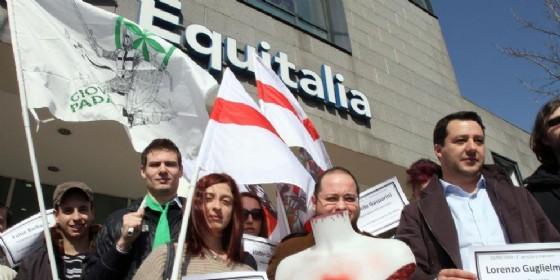 Una manifestazione contro Equitalia
