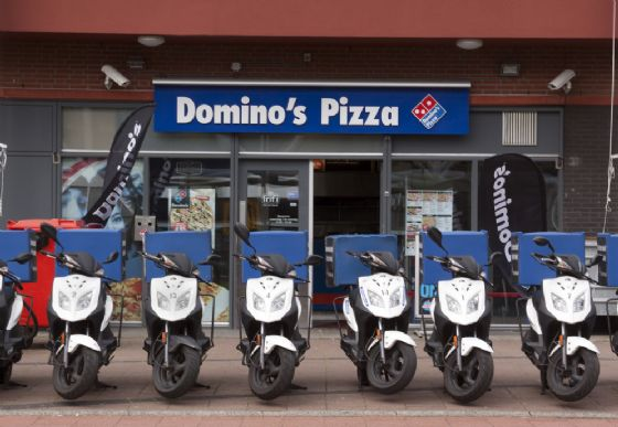 Domino's pizza apre in via Cigna a Torino e assume