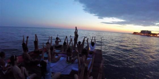 A Grado arriva la 'Sup e yoga night'