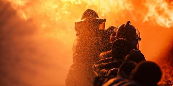 Incendio al mobilificio Santarossa di Prata di Pordenone