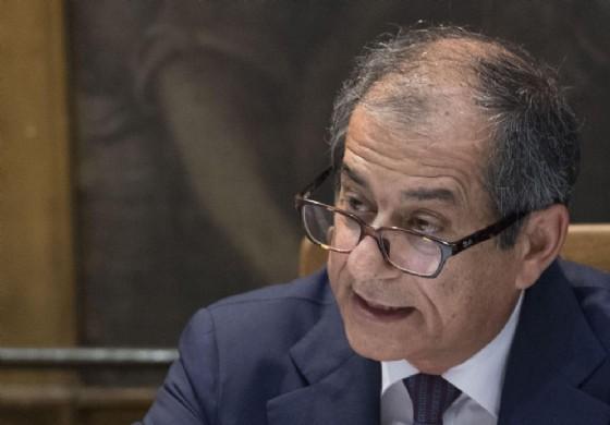 Il ministro dell'Economia Giovanni Tria nel corso dell'audizione alle Commissioni Bilancio riunite di Camera e Senato, nella Sala Mappamondo di Montecitorio