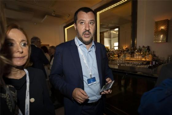 Salvini scrive ai prefetti: stretta sulle domande d'asilo dei migranti