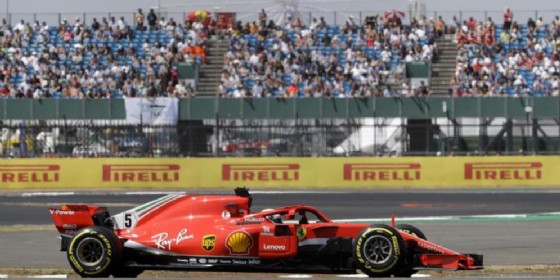 Capolavoro Vettel, vince a Silverstone: