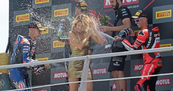 Il podio della Superbike in gara-2 a Misano, con Marco Melandri terzo