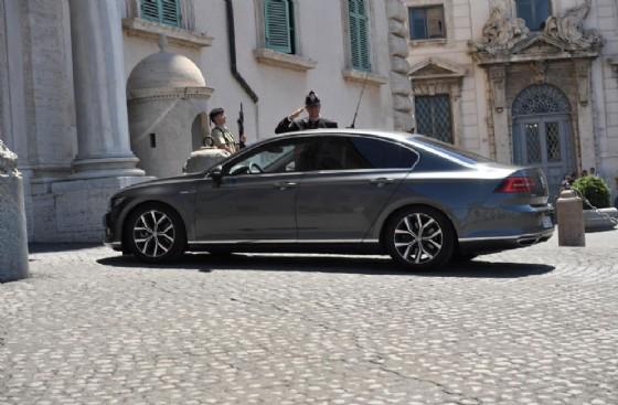 La macchina con a bordo il vicepremier e ministro dell'Interno Matteo Salvini mentre arriva al Quirinale