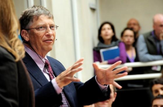 Bill Gates con la sua omonima fondazione sostiene l'iniziativa negli USA.