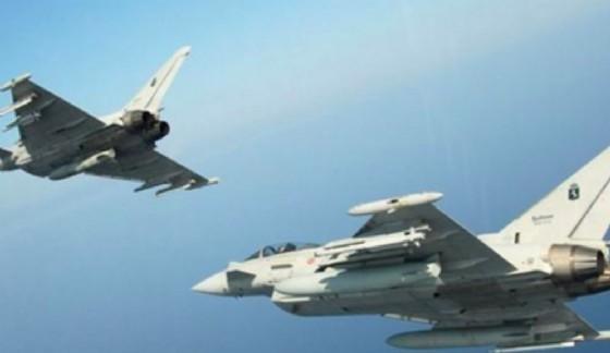 Interrotti i contatti con un aereo dell'American, decollano 2 Eurofighter italiani