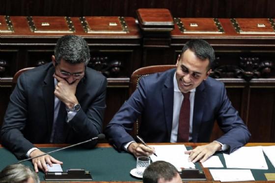 Il ministro dei Rapporti con il Parlamento Riccardo Fraccaro con Luigi Di Maio