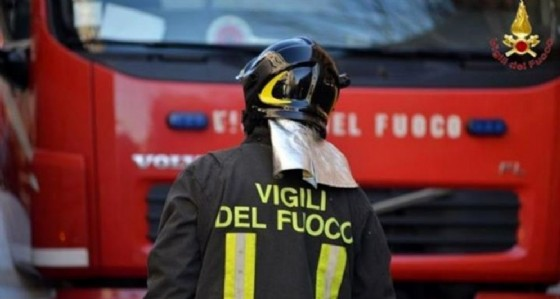Trieste: camion in fiamme al porto