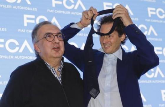 Lingotto, vertice con i manager Fca: Elkann arriva in elicottero