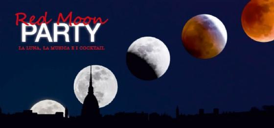 L'eclissi di luna sulla terrazza di Eataly: cocktail e telescopi per ammirare lo spettacolo