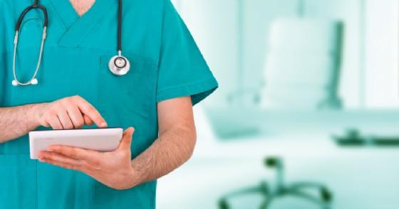 Il 61% degli italiani vorrebbe chattare con lo specialista per avere un primo consulto medico