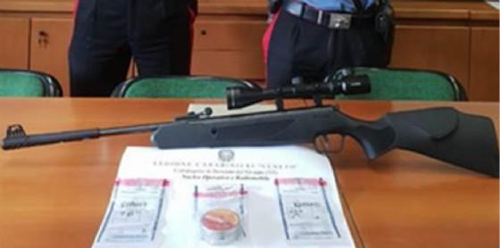 Il fucile usato per ferire l'operaio. Vicenza, 27 luglio 2018
