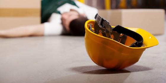 Infortunio sul lavoro: operaio precipita da tre metri