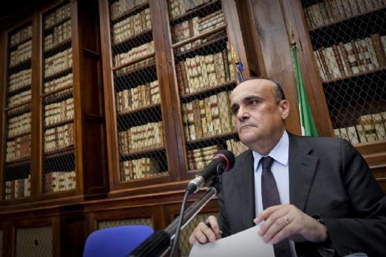 Il ministro dei Beni culturali Alberto Bonisoli alla Biblioteca Nazionale di Napoli