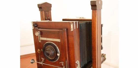 Fotocamera da studio Petazzi fine sec. XIX (restaurata) donata al Museo dal cav. Falomo dello studio fotografico di Pordenone