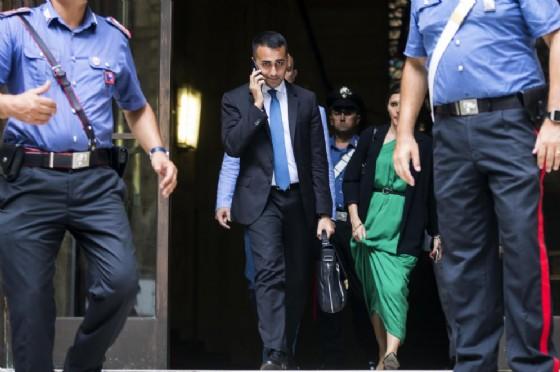 Il ministro dello Sviluppo economico, Luigi Di Maio, lascia il Mise al termine dell'incontro sull'Ilva con ArcelorMittal e i sindacati