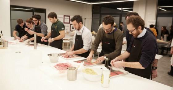 Il team di BTREES presso il Roveda lab impegnato in un'attività di Team Building