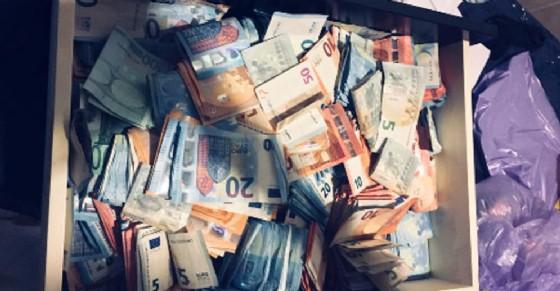 I soldi sequestrati agli spacciatori