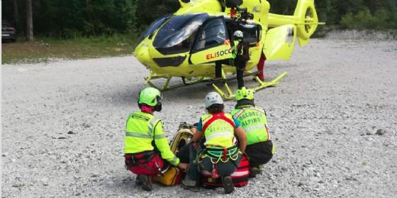 Escursionisti smarriscono il sentiero: doppio intervento del Soccorso alpino